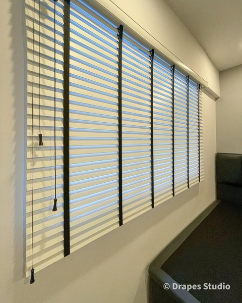 Used Curtains and blinds in Dubai, UAE