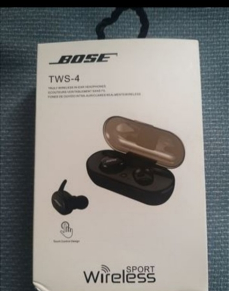 Used BOSE TWS 4 EARBUDS PACKED ✔️ in Dubai, UAE