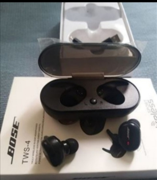 Used BOSE TWS4 EARBUDS, 🎉 TODAY GET NEW PACK in Dubai, UAE