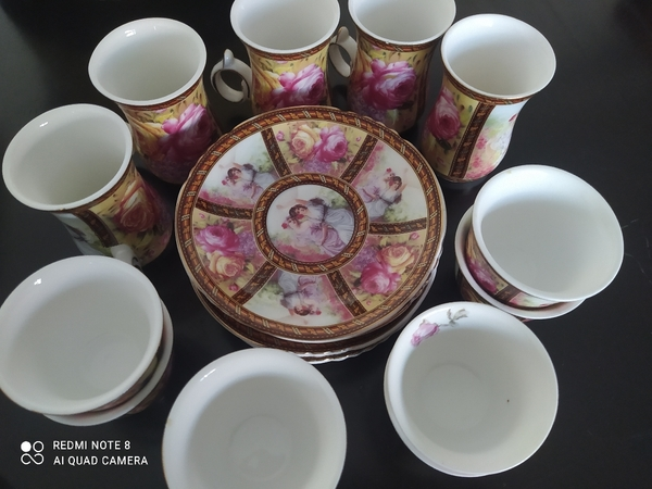 Used fancy coffee set, new without box in Dubai, UAE