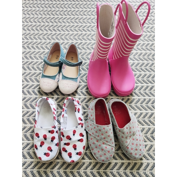 Used Bundle of Girls Shoes EU28 in Dubai, UAE
