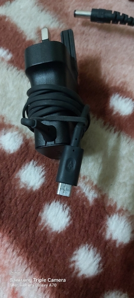 Used Samsung charger small pin good condition in Dubai, UAE