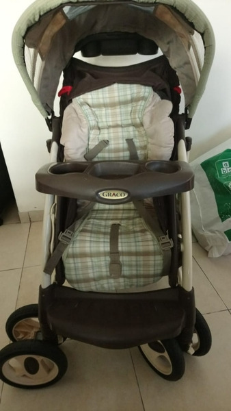 Used A stroller with its car seat used as new in Dubai, UAE