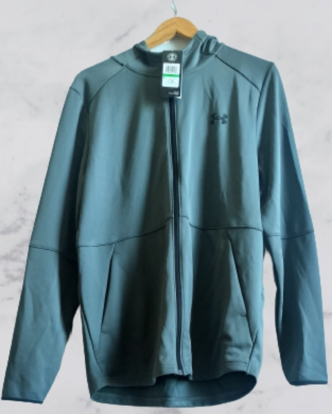 Used UNDER ARMOUR sportjacket with hoodie in Dubai, UAE