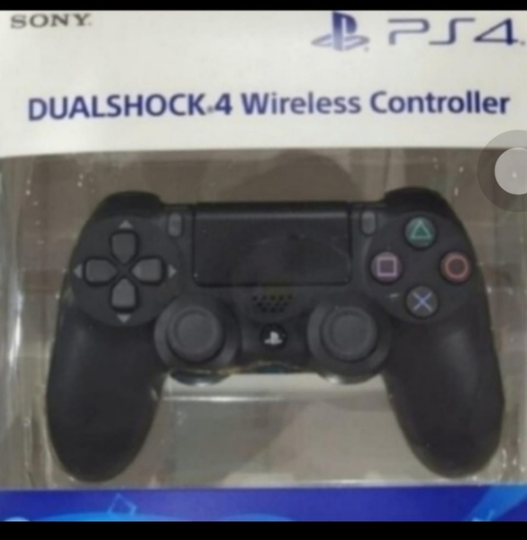 Used GET. NOW NEW PACK. PS4 CONTROLLER in Dubai, UAE