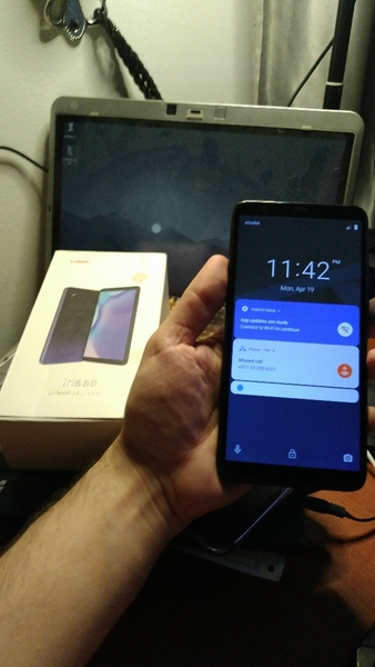 Used LAVA IRIS MOBILE WITH BOX and watch mc72 in Dubai, UAE