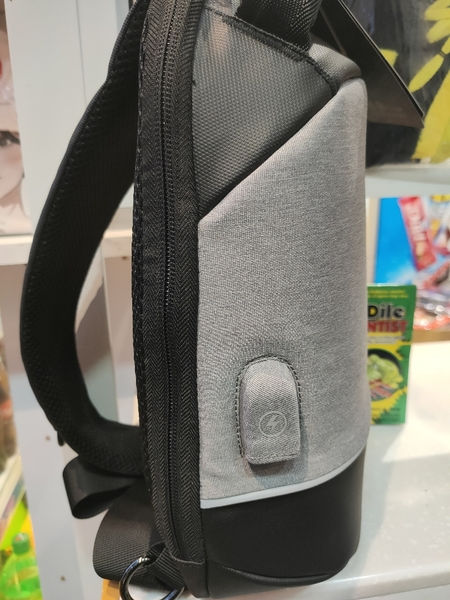 Used Sling bag for travel and fashion with US in Dubai, UAE
