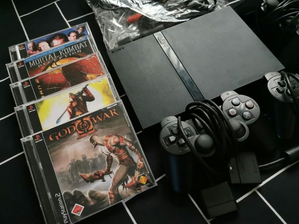 Used Playstation 2 Slim with 3 Controllers in Dubai, UAE