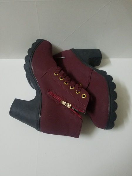 Used Girls shoes Size 40 Brand  New in Dubai, UAE