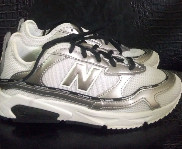 Used Original new sneakers in Dubai, UAE