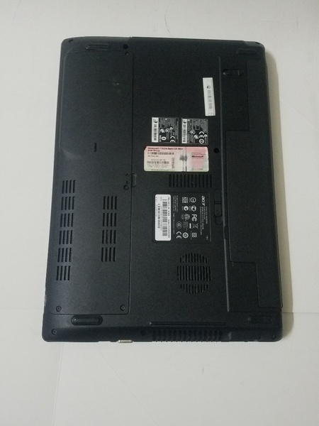 Used Acer laptop i3 in Dubai, UAE