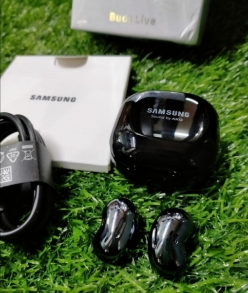 Used SAMSUNG GALAXY EARBUDS LIVE IN in Dubai, UAE