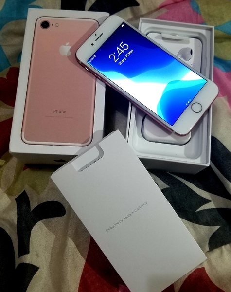 Used I.Phone 7 128GB Rose Gold For Sell in Dubai, UAE