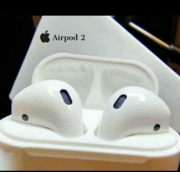 Used APPLE AIRPOD NEW PACKED GEN2 AIRPODS in Dubai, UAE