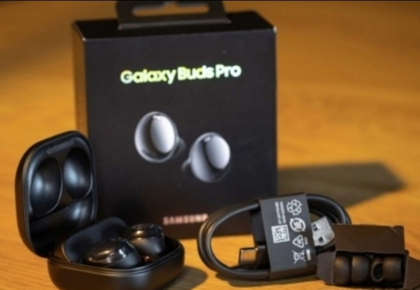 Used AMAZING QUALITY.BUDS PRO NOW GET IN BOX in Dubai, UAE