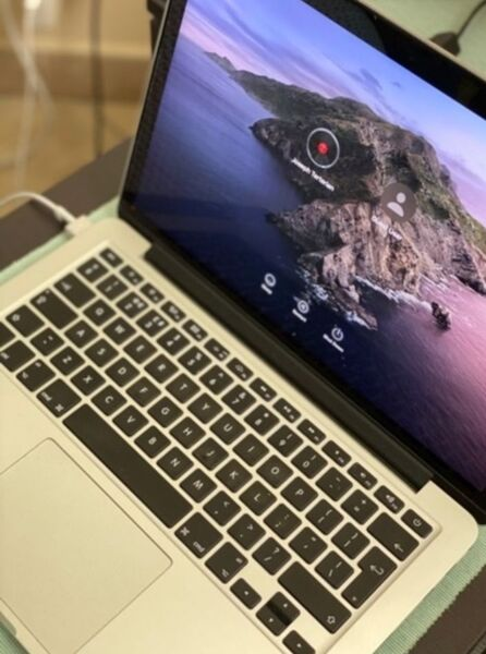 Used 13 inches MacBook pro with retina displa in Dubai, UAE