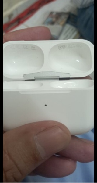Used Apple Airpods Pro Exactly Original in Dubai, UAE