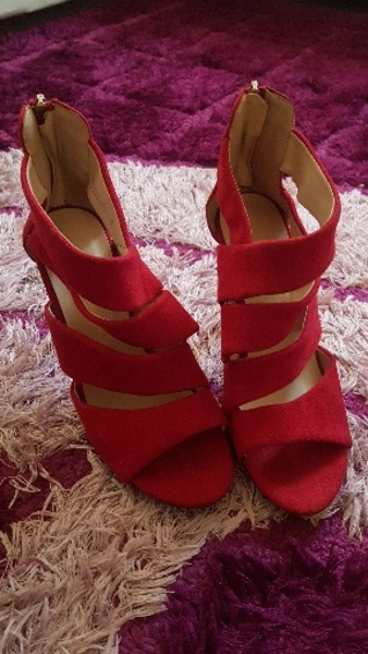 Used Preloved Red Heels in Dubai, UAE