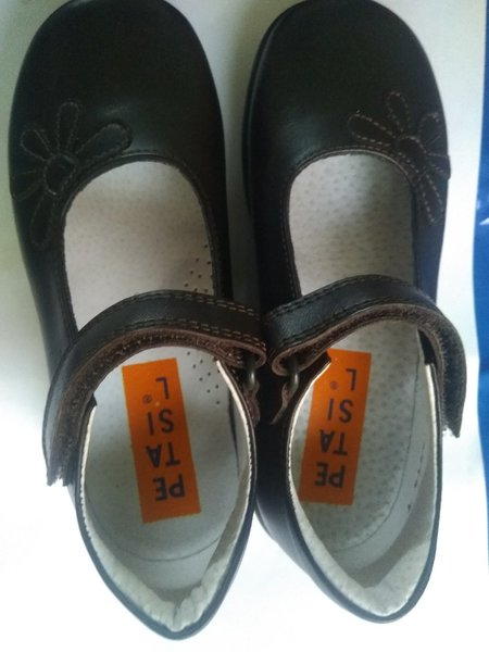 Used Girls school shoes 29  brand new in Dubai, UAE