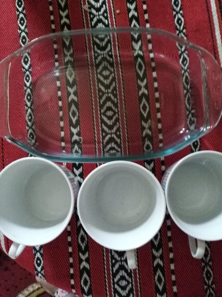 Used Cup with tray. in Dubai, UAE