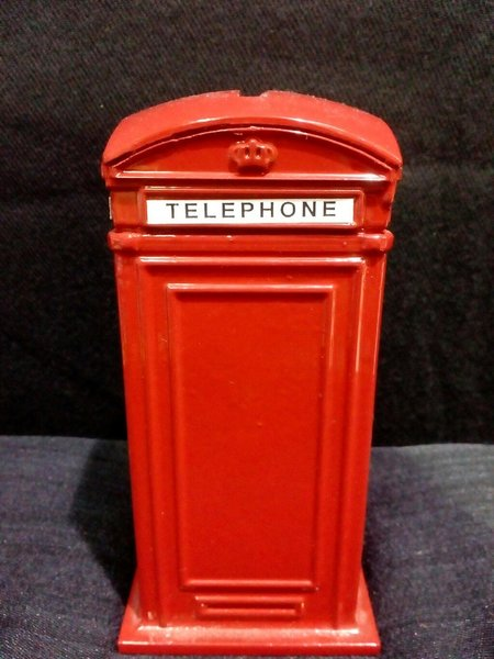 Used London Red Booth Display ! in Dubai, UAE