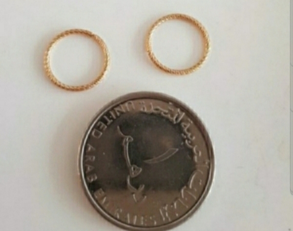 Used 10k gold earrings new in Dubai, UAE