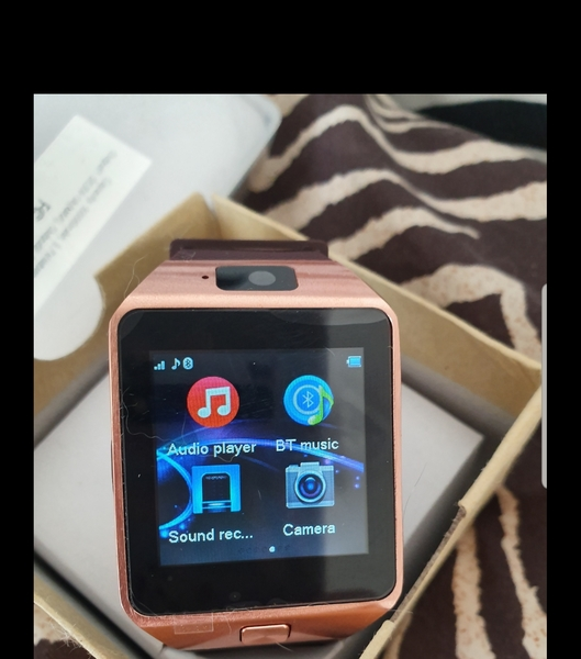 Used New camera smart watch w sim and memory in Dubai, UAE