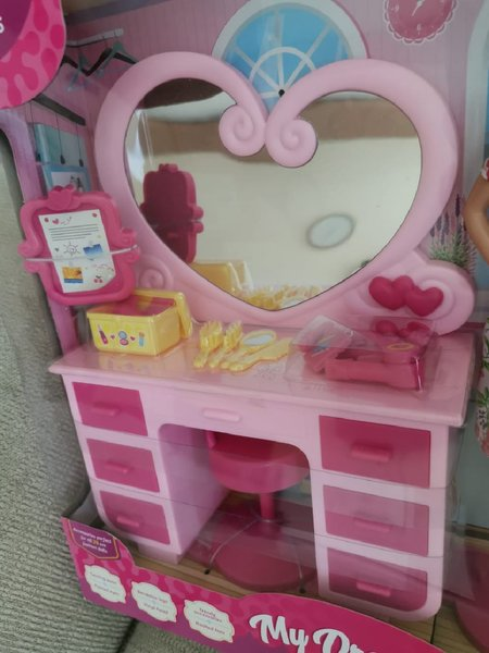 Used Juniors dressing table with doll.kidstoy in Dubai, UAE