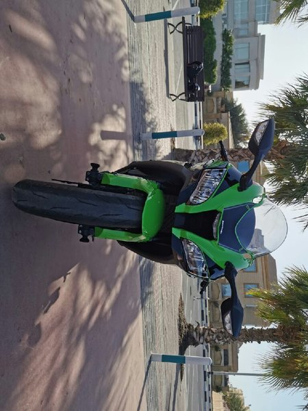 Used 2019 Kawasaki ninja Zx10 in Dubai, UAE