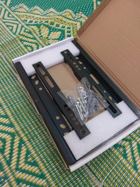 Used TV mount for 14 inch to 42 inch in Dubai, UAE