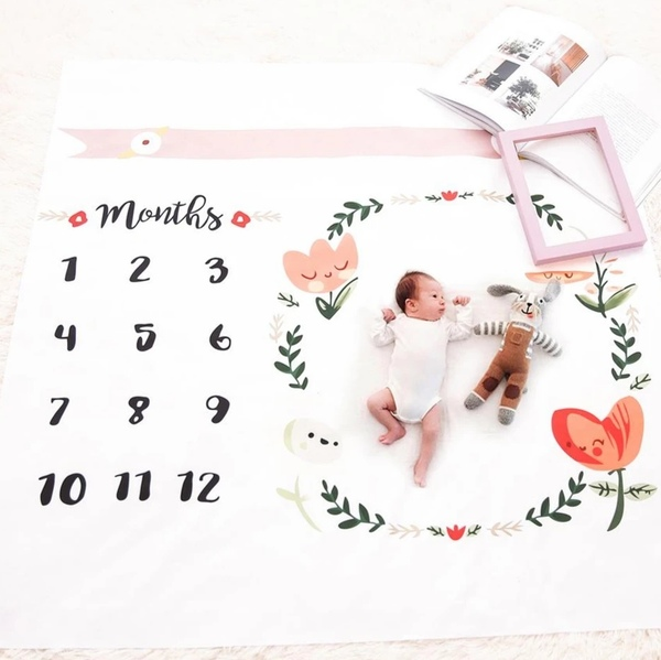 Used Baby month blanket + free sticker 🎁 in Dubai, UAE