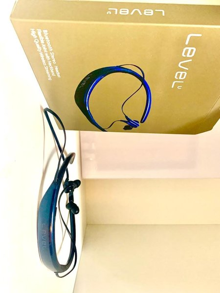 Used level U BT headset in Dubai, UAE