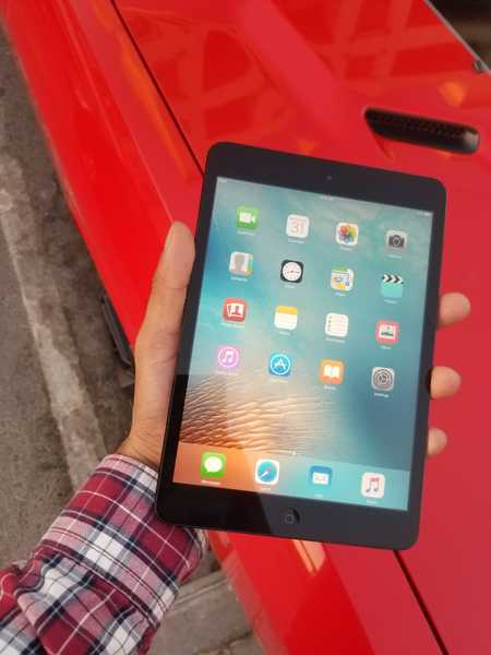 Used Apple iPad mini  100% Original  FaceTime in Dubai, UAE