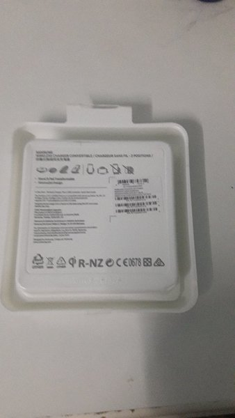 Used Samsung Wireless Convertible Charger Pad in Dubai, UAE