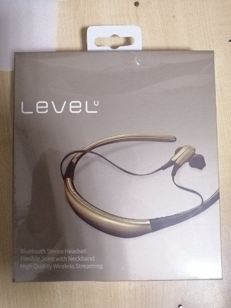 Used Level u stereo Bluetooth headset in Dubai, UAE