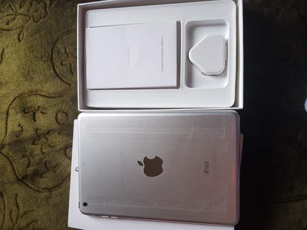 Used Apple iPad mini 2 32gb for sale with box in Dubai, UAE