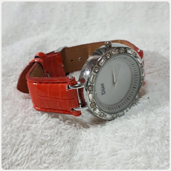 Used Red DIOR watch for her in Dubai, UAE